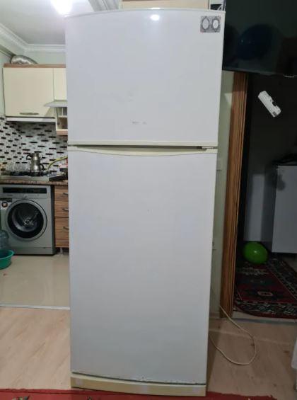 Regal Buzdolabı