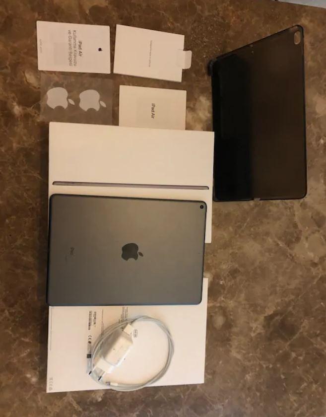 Apple iPad Air 3 10.5 64 GB Wi-Fi Retina Tablet