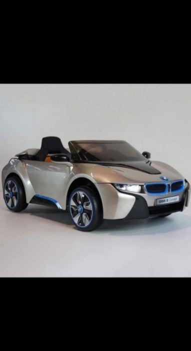 BMW i8 Akülü Araba