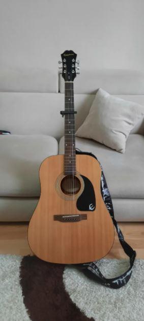 Epiphone DR100 Akustik Gitar