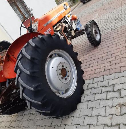 Massey Ferguson Traktör 165 Şeker