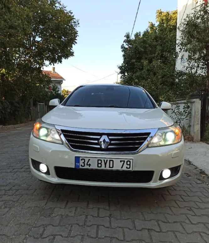 Renault Latitude 2011 Model