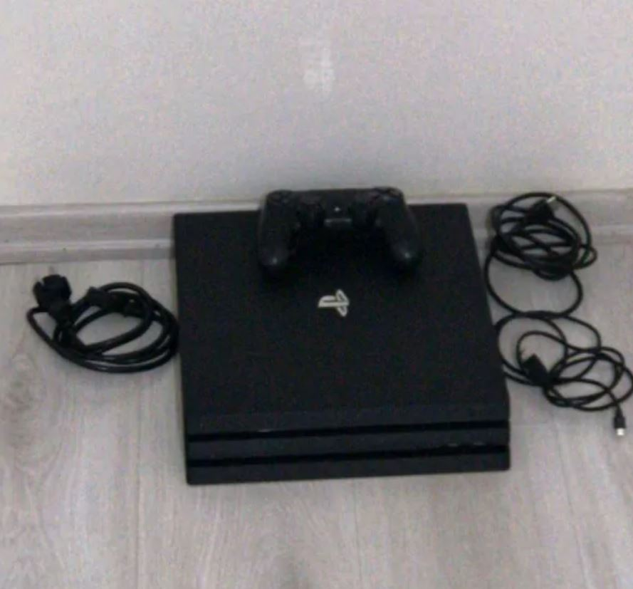 PS4 PRO 1 TB PlayStation 4 Pro 1 TB