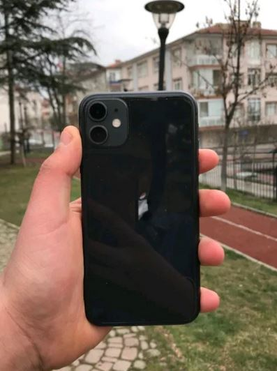 Apple iPhone 11 64 GB Siyah Telefon