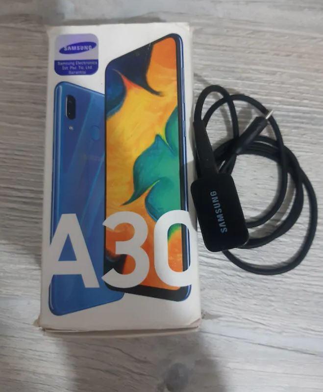 Samsung A 30 Telefon