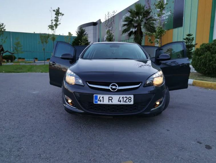 Opel Astra Turbo 2012 Model Full